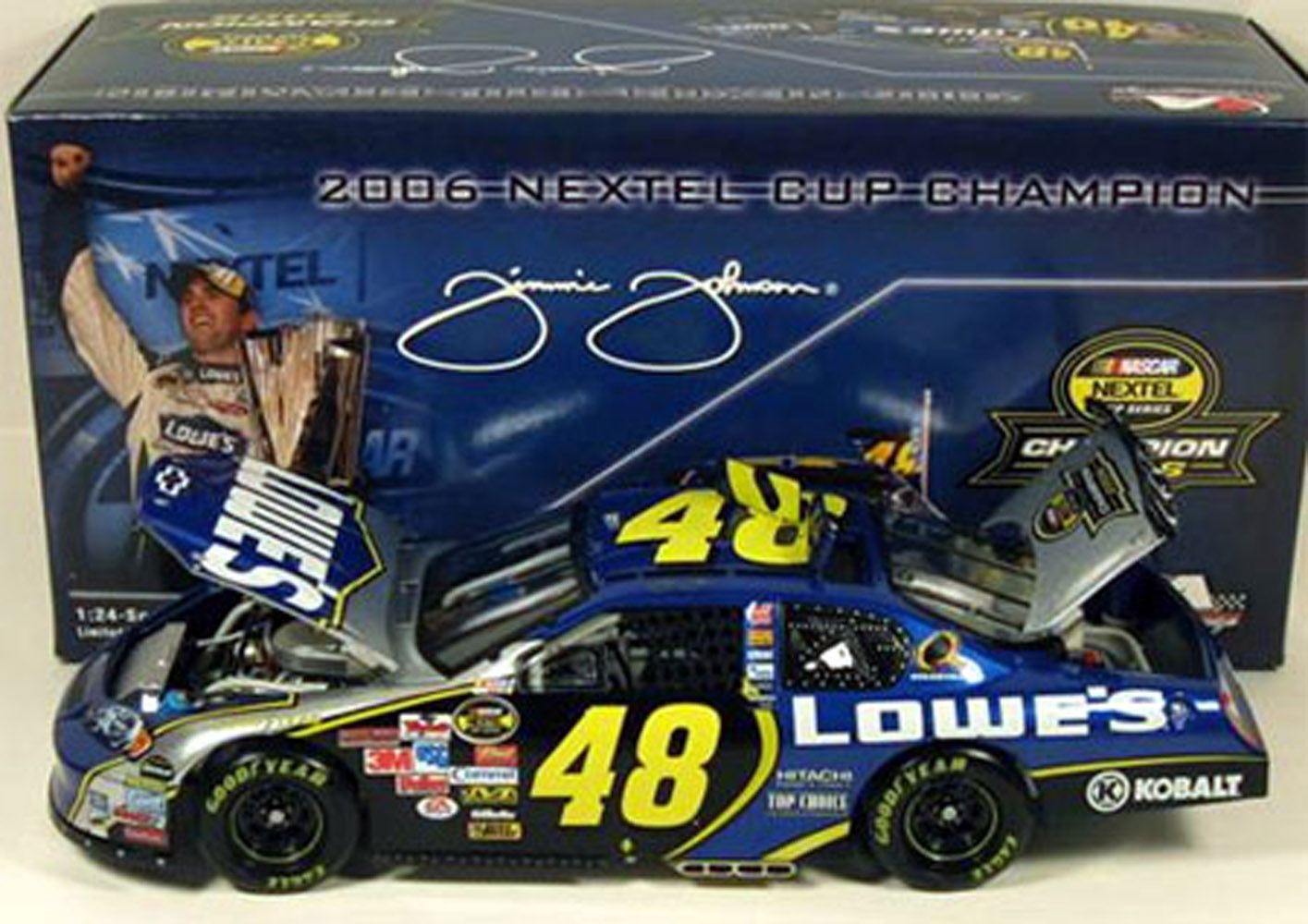 2006 Jimmie Johnson Lowes 1ST Time Champ 1/24 Diecast Car