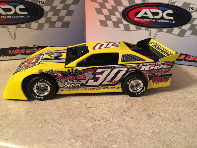 ADC RED SERIES 2017 Ryan King TN Driver Dirt Late Model 1/24 Diecast Car.